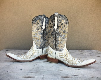 Vintage Mexican Pointy Toe Boot Men's Cowboy Boots White and Black Leather Sequin Cross