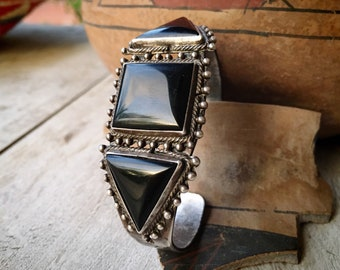 Fred Harvey Era Black Onyx Cuff Bracelet for Men or Women, 1930s Vintage Southwestern Jewelry