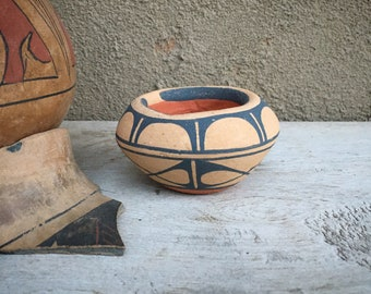 Small Pottery Olla Pot Vase Figurine from New Mexico, Native American Indian Pueblo Arts and Crafts