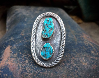 Size 7.75 Vintage Large Oval Ring with Rough Turquoise Nuggets, Navajo Native American Jewelry