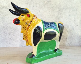 Rare Ecuador folk art ceramic bull coin bank vintage fair prize financial planner gift