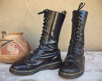 Vintage Well-Worn Made in England Dr Martens UK Size 4 (Estimated) Black Combat Boot 14 Eyelet
