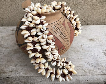 Large Vintage Cowrie Shell Necklace for Women or Men, Boho Necklace Hawaiian Lei of Seashells