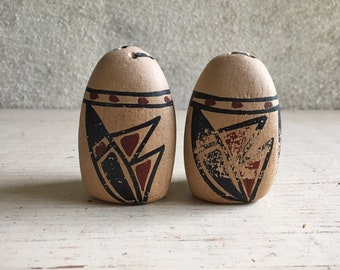 Vintage New Mexico Pueblo Pottery Salt and Pepper Shaker Collectible Set, Southwestern Decor