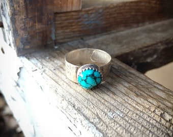 Size 7.5 Small Round Turquoise Ring with Spiderweb Turquoise, Southwestern Jewelry, Gift for Granddaughter Daughter, Dainty Rings Simple