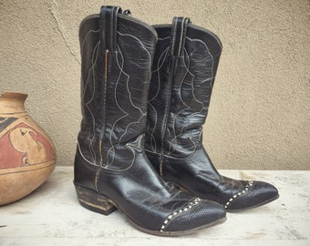 Vintage Tony Lama Cowboy Boots for Women (Estimate Size 5 to 5.5) Dark Blue Wingtips Short Cowgirl Boots