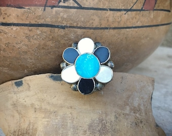 Size 6.75 vintage turquoise and Mother of Pearl channel inlay flower ring 1970s jewelry
