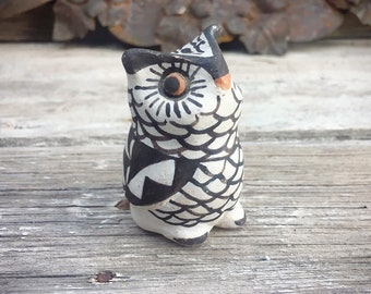 Signed Acoma Pottery Small Owl Effigy Native America Indian Pottery, Owl Decor Southwestern Home
