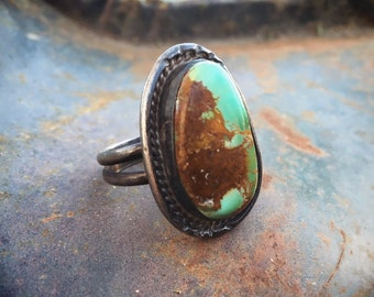Vintage Turquoise Ring for Women or Men Size 11.75, Old Pawn Navajo Native America Indian Jewelry