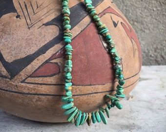 Vintage Green Chip Turquoise Necklace for Women, Santo Domingo Native American Indian Jewelry