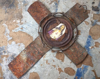 Vintage Outsider Art Rustic Metal Cross Made of Rusty Tin Can Barbed Wire, Primitive Wall Hanging