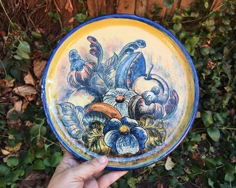 "Vintage Mexican Pottery 9.5"" Decorative Plate with Fall Harvest, Guanajuato Mexico Wall Decor"
