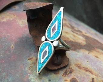 1970s Crushed Turquoise and Coral Ring Size 5, Native American Indian Jewelry, Girlfriend Gift for Her