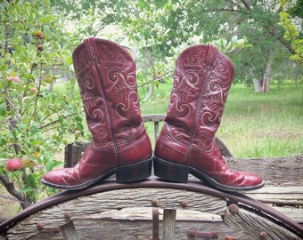Vintage Tony Lama Cowboy Boots for Women Size 10 B (Runs Small) Burgundy Leather, Cowgirl Boots