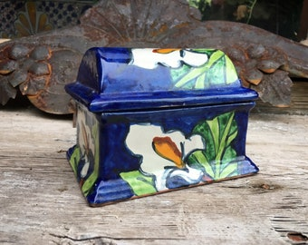 Small Vintage Mexican Talavera Pottery Trinket Box or Lidded Container, Mexican Pottery Holder