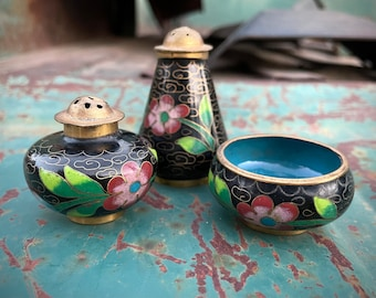 Chinese Cloisonne Salt Cellar and Pepper Shaker Set in Black Pink Floral Design, Three Pieces
