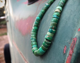 """17"""" Circa 1930s Green Turquoise Heishi Necklace Choker Navajo or Pueblo Native American Indian Jewelry"""