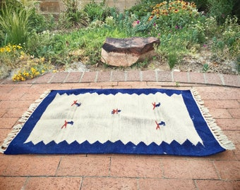 """Vintage 23.5"""" x 35"""" Zapotec accent or area rug Mexican woven wall hanging Southwestern decor"""