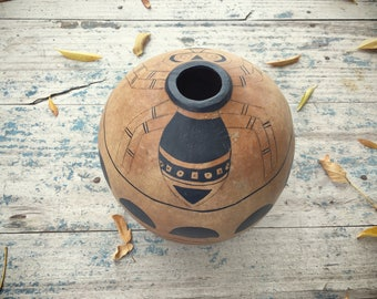 Vintage Gourd Seed Pot with Mimbres Spider Design Native American Gourd Art