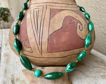 """1980s Varied Size and Shape Malachite Bead Necklace 22"""", Bohemian Striated Green Stone Jewelry"""