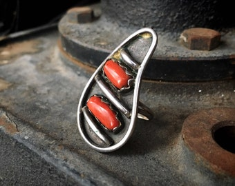 1970s Sterling Silver and Mediterranean Coral Ring Women Size 5, Navajo Native America Jewelry
