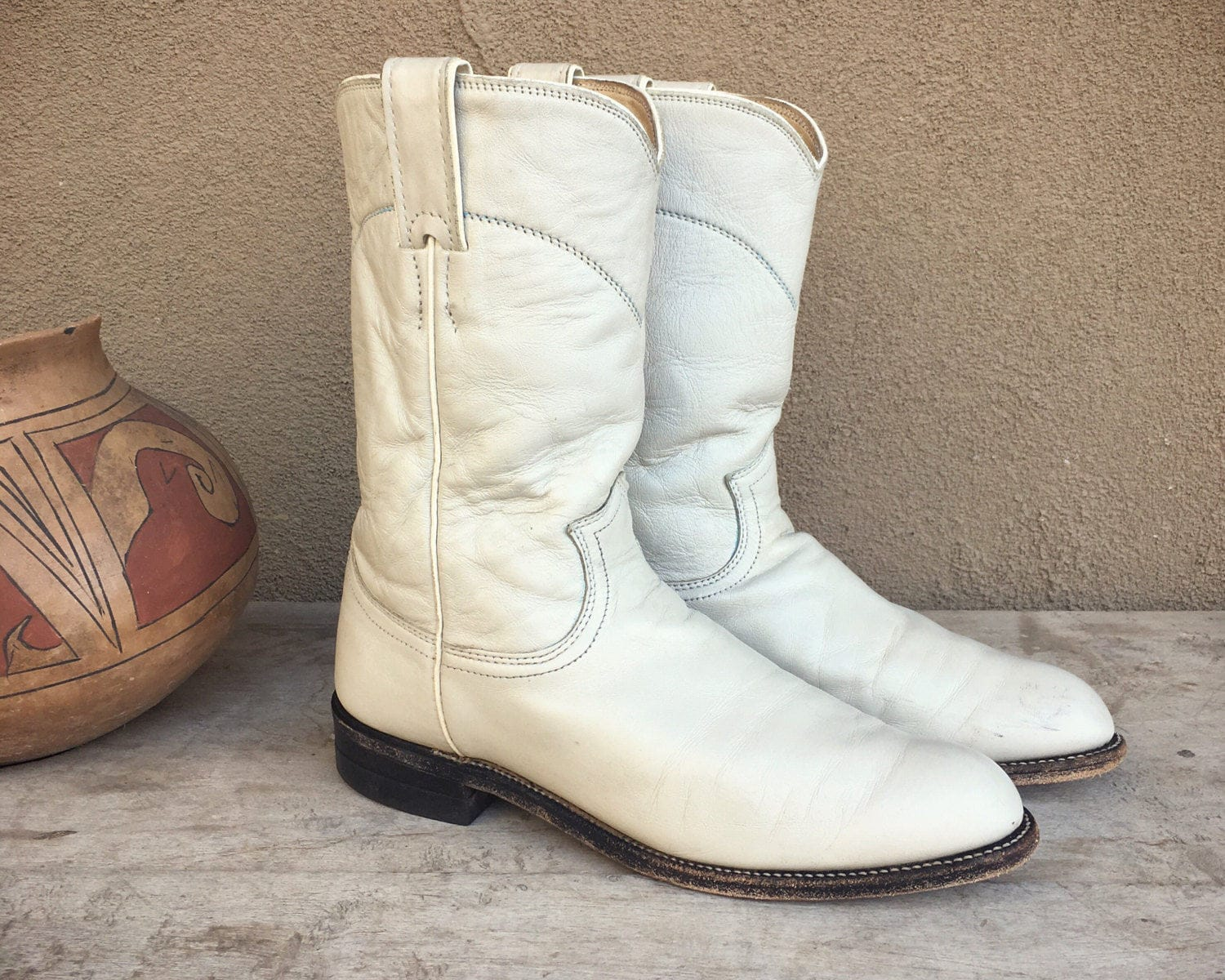 52894b6ce98 Vintage off white Justin roper cowboy boot Women size 6.5 C (fits like ...