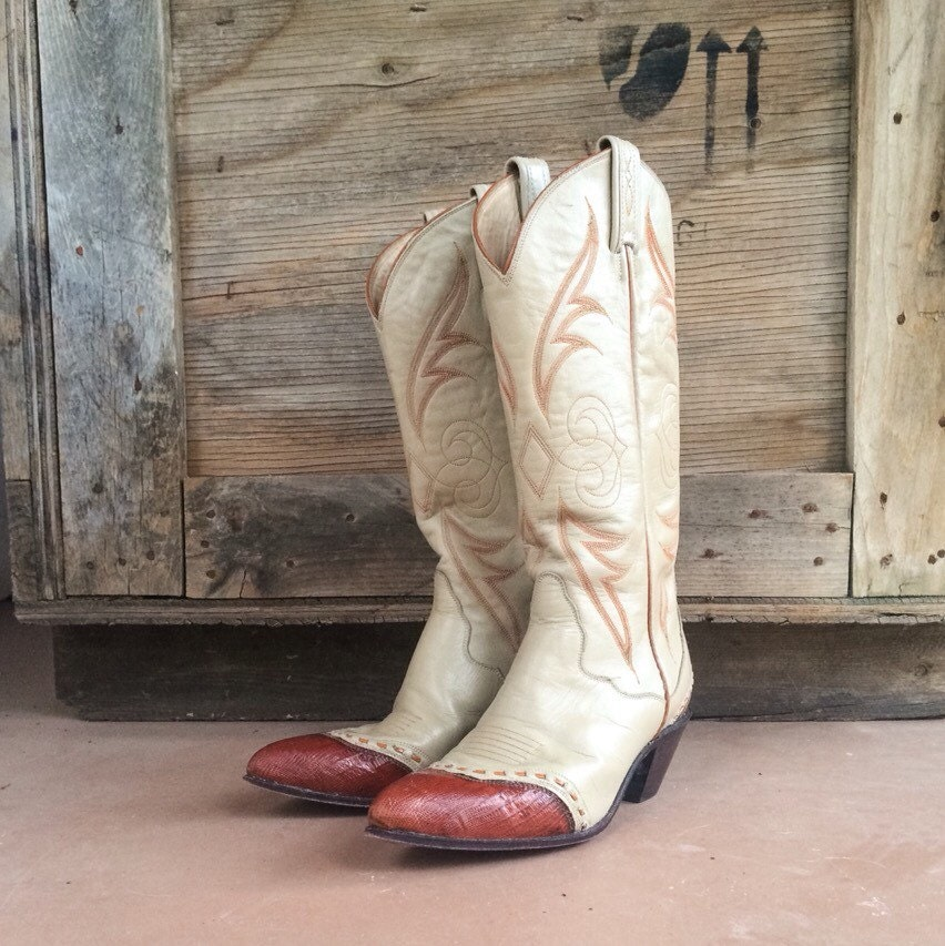 Vintage Cowgirl Boot Size 7 M Runs Narrow Two Tone