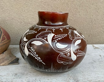 Michoacán Mexico Burnished Pottery Olla Medium Sized Vase Brown Floral Design, Southwestern Decor