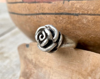 Vintage Sterling Silver Rose Shaped Ring Size 7, Flower Jewelry for Women, Symbol of Love