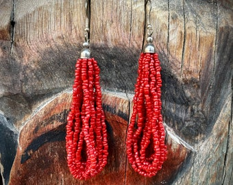 1970s Coral Colored Seed Bead Hoop Earrings Northern India, Bohemian Hippie Jewelry for Women, Southwestern Beaded Dangles, Hip Mom Gift