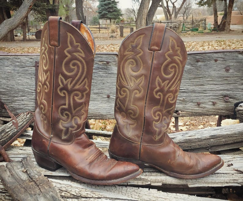025ba9d4dbc Vintage Cowboy Boot Men's Size 8 D (Women's 9.5) Brown Leather Boot,  Western Boots for Men, Brown Boots, Distressed Boots, Justin Boots