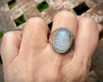 925 Sterling Silver Carved White Chalcedony Man in the Moon Ring, Vintage Maiden Feminist Jewelry