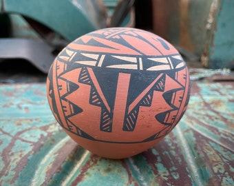 Small Seed Vase Jar Pot with Painted Geometric Design Signed R. Moya Jemez, Southwestern Decor