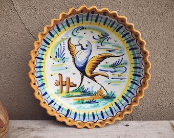 20th Century Triana Lebrillo from Sevilla, Majolia Wash Basin with Bird Hand Painted Majolica Pottery