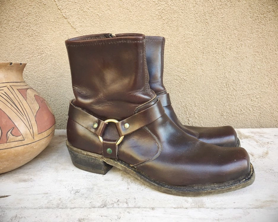 0454550ca0c Vintage Men s or Women s Short Boot Brown Leather 1980s Thom ...