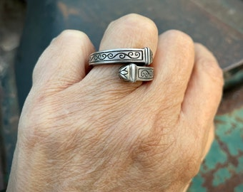Vintage Tribal 925 Sterling Silver Twist Ring Size 8 (Adj to Size 9), Thick Cubed Style Bohemian