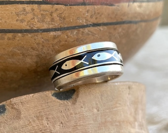 Vintage Sterling Silver Christian Fish Ring Band Size 8, Black Oxidized Against Silver, Birthday Gift for Catholic Woman, Minimalist Jewelry