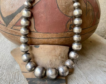 """1980s Mexican Sterling Silver Bead Choker Necklace 16.5"""", Vintage Taxco 925 Graduated 5-13mm 60g"""