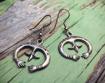 Small Silver Naja Earrings Sandcast Native American Indian Jewelry, Hand Jewelry, Navajo Earrings