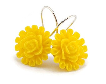 Yellow Earrings, Drop Earrings, Little Gift Ideas, Cheerful Daisy Earrings for Women Teens Teenagers, Pastel Orange, Spring Summer Earrings