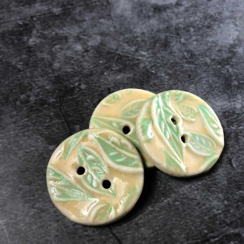 Cream with Light Green Leaves Round Buttons