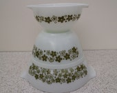 spring blossom in green set of three vintage pyrex nesting mixing bowls with pouring spouts