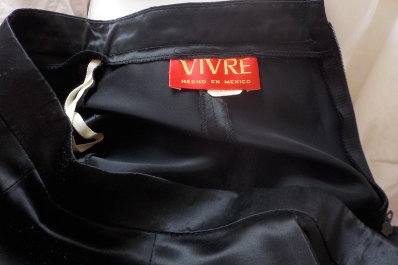 size S 90s BLACK SATIN FISHTAIL Midi Skirt