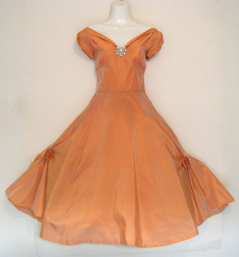 6859153d43 Free Shipping to usa!.....Off shoulder New Look 1950s PEACH PARTY DRESS  full skirt dress, size s