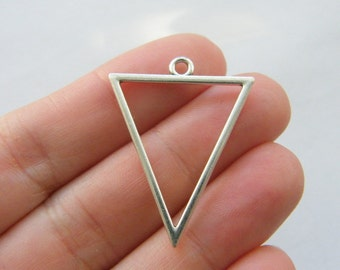 4 Triangle charms antique silver tone M847