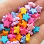 100 Acrylic  random mixed star beads S157