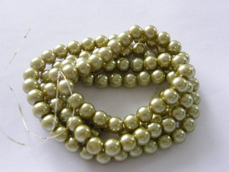 100 Light olive beads 8mm glass B208