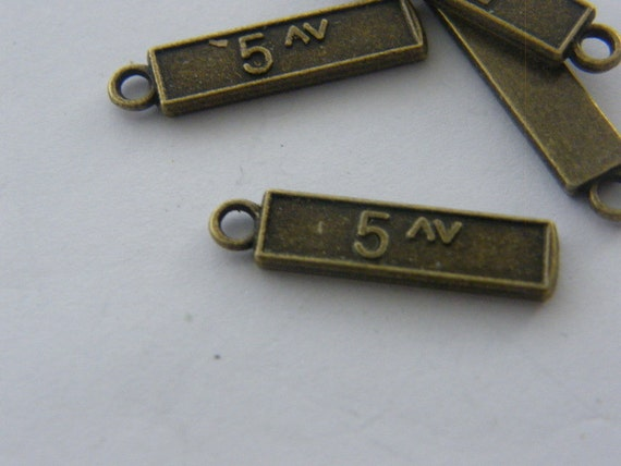 8 Lighthouse charms antique bronze tone BC215