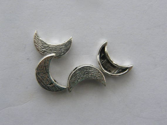 14 Moon spacer beads antique silver tone M84