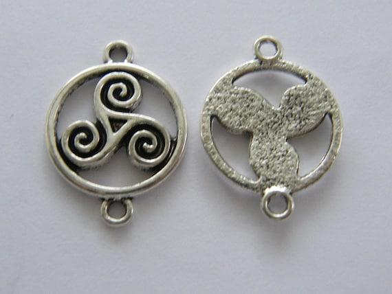 BULK 50 Celtic knot charms antique silver tone R41
